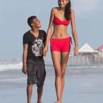 Самая высокая девушка в мире, бразильянка Элисани Сильва ростом 2 метра 6 сантиметров влюбилась в св…