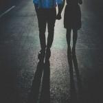 Парень гуляет после тренировки со своей девушкой, и в это время к ним подъехал BMW. Девушка сразу от…