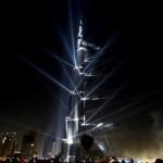 Небоскреб Бурдж Дубаи во время церемонии открытия 4 января 2010 года в Дубае. Небоскреб составляет 8…