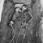 Поцелуй, которому 6000 лет. Найден в Иране….
