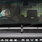 Королева Англии Елизавета II за рулем Range Rover…
