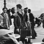 В 1950 году французский фотограф Робер Дуано сделал свой самый известный кадр: «Le baiser de l'Hôtel…