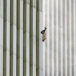 11 сентября 2001 года было сделано огромное количество фото и видеоматериалов, демонстрирующих один …