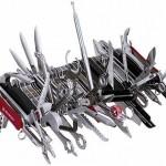 Этот перочинный ножичек швейцарской фирмы Wenger включает 85 инструментов. Его длина – 23 см., вес –…