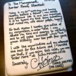 Заявление об увольнении в форме торта от таможенника лондонского аэропорта Станстеда Криса Холмса….