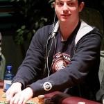 «Невероятная история покерного успеха.Он был обычным парнем из Нью Джерси.Он был единственным ребенк…