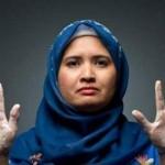 Джулла Абдулла моет руки 300 раз в день, а волосы — 25 раз в день…