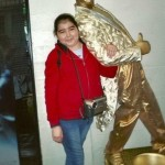 Именно так эта девочка выглядела в 9 лет. Над ней издевались в школе, проблемы с родителями, сверстн…